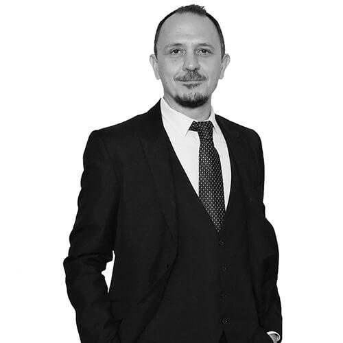 Alessandro Raguseo di R-everse